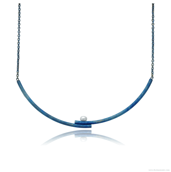 Blue titanium double curved bar necklace with pearl