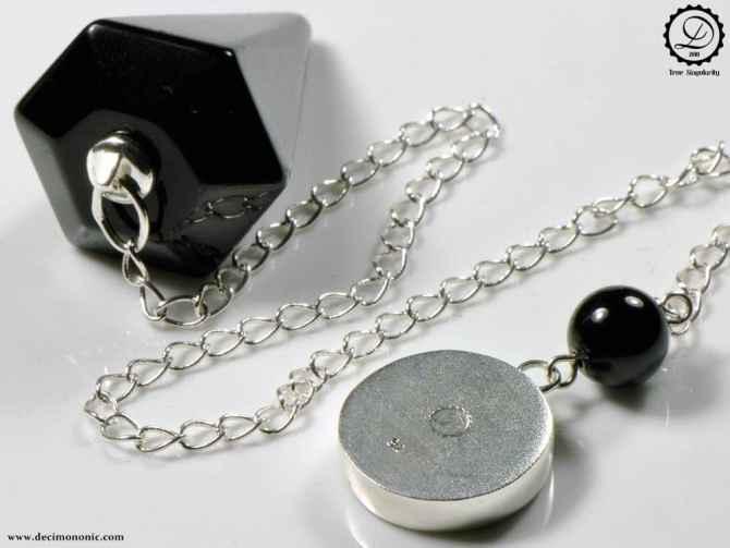 T-pendulum by Decimononic | Steampunk pendulum with vintage watch movement