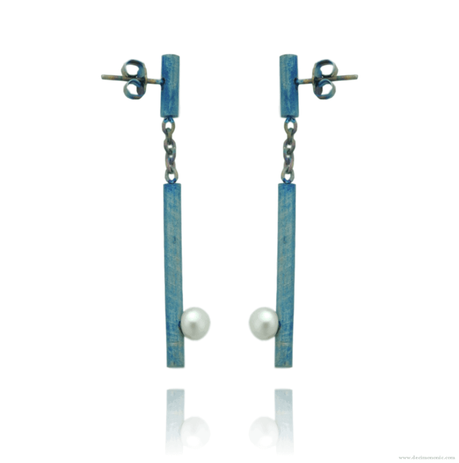 Blue titanium bar studs with chain and pearls - Nautilus Collection by Decimononic