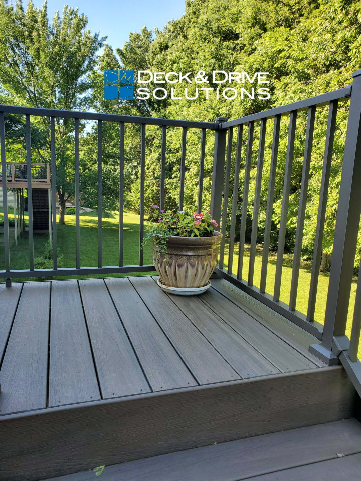 Trex Coastal Bluff And Pergola Des Moines Deck Builder