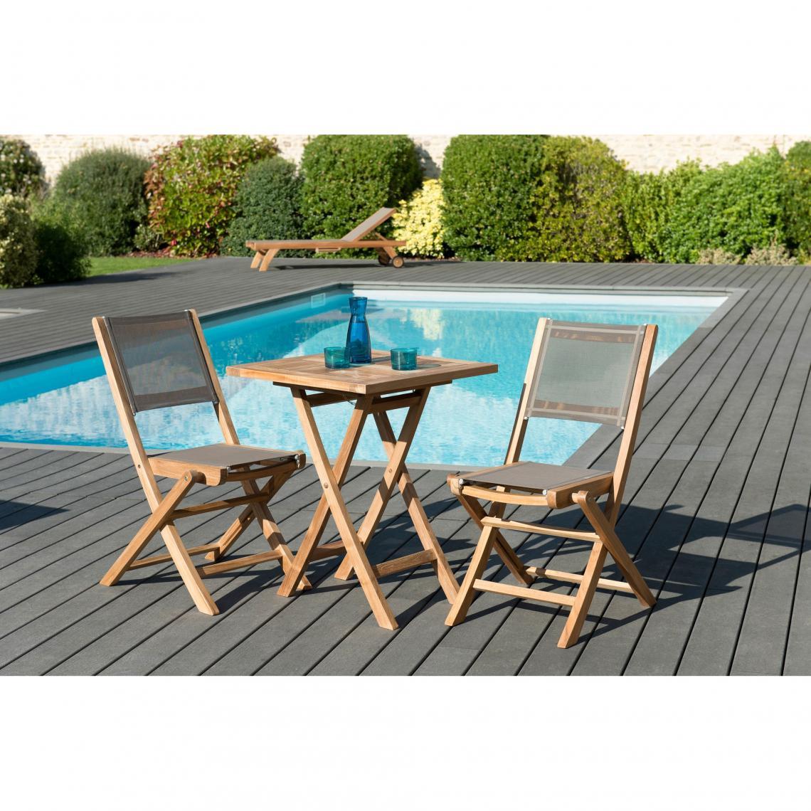 salon de jardin en bois teck 2 pers ensemble de jardin 1 table carree pliante 60 cm et 2 chaises textilene couleur taupe