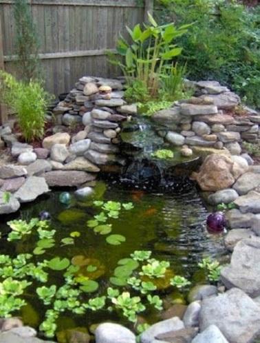 Terre En Bois Pour Accueillir Un Jardin Zen Autour De La Table Et Des Chaises