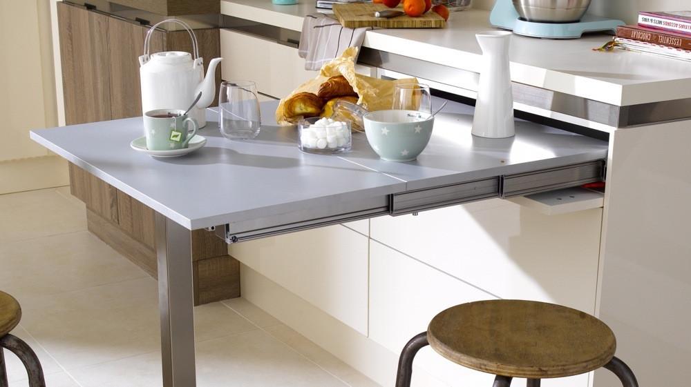 table dans une petite cuisine