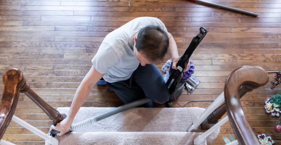 comment nettoyer une rampe d escalier