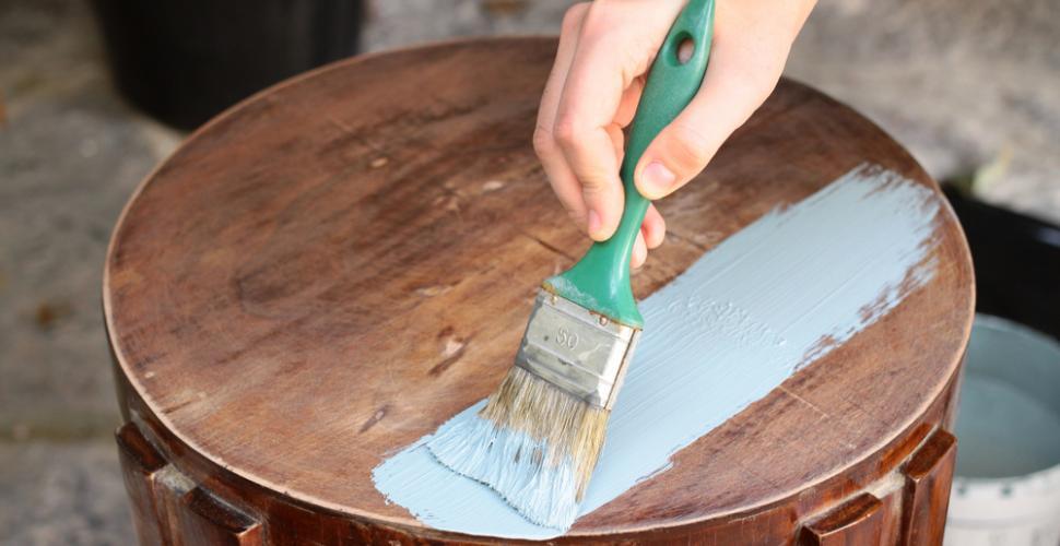 pour repeindre un meuble en bois