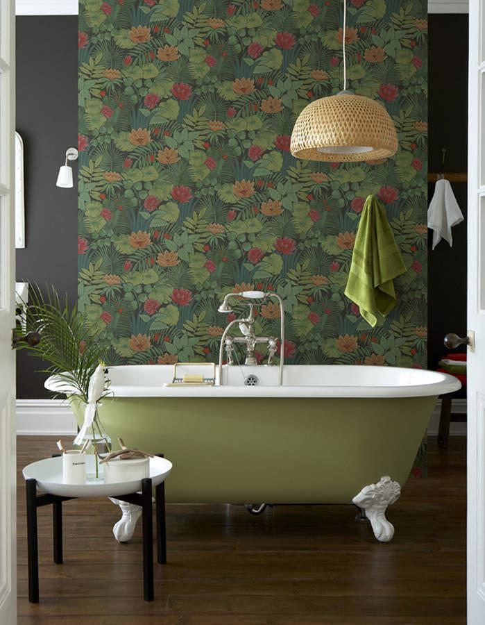 du vert dans la salle de bains