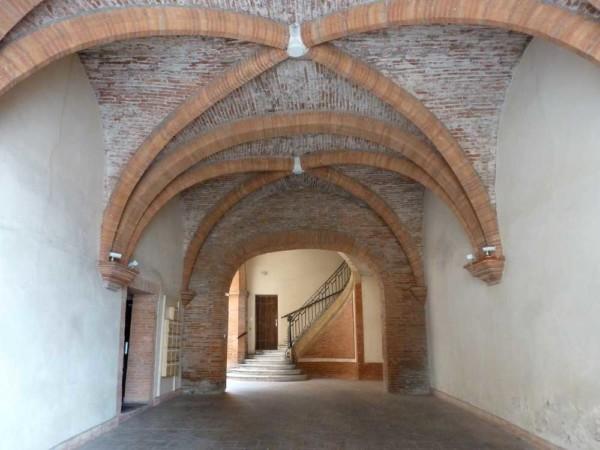 Atouslesetages_Montauban_porche
