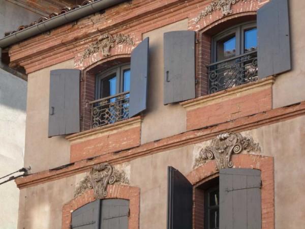 Atouslesetages_conseil-deco_Montauban_volets_gris-bleu