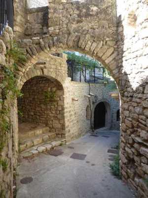 2019-08_Montclus_Gard _arche