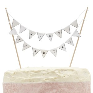 VL  Just Married Cake Bunting Cutout