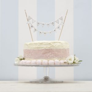 VL  Just Married Cake Bunting scaled
