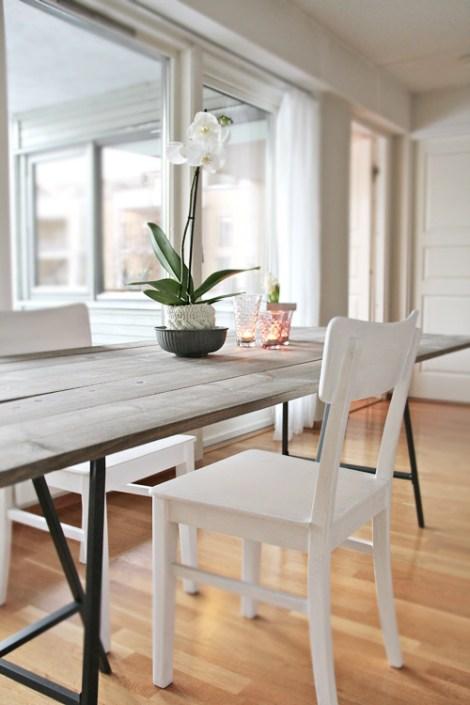 Ce deuxième DIY propose une table plus discrète et plus raffinée ...