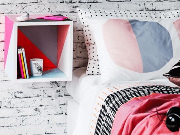 DIY : Une table de nuit graphique et colorée