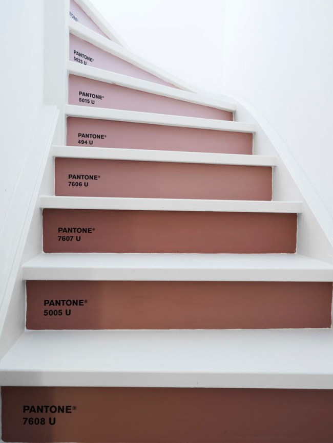 DIY Marsala Pantone stairs