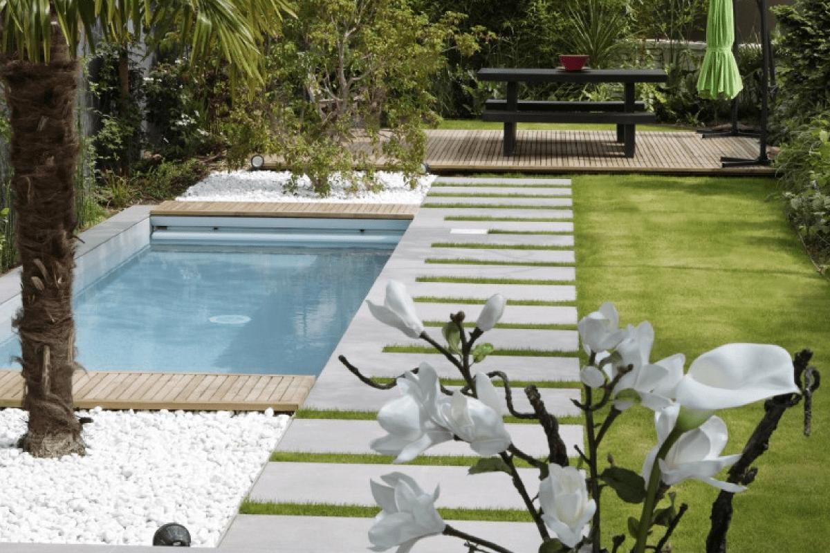 Cet hiver on profite de son jardin gr ce aux piscines for Mini piscine jardin de ville