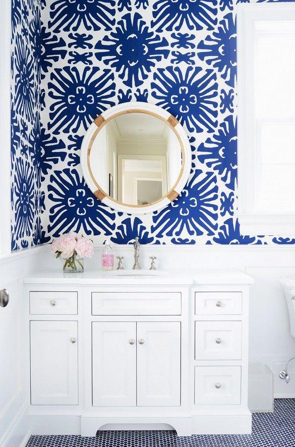 On ose le papier graphique dans la salle de bain