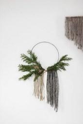 DIY : 12 couronnes de Noël modernes et minimalistes à fabriquer soi-même chez The Merry Tought