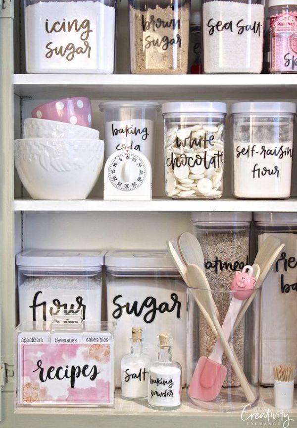 Note to myself : étiqueter ses bocaux de farine et autres jolies choses qui se trouvent dans les placards de la cuisine