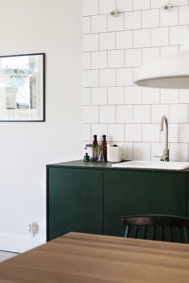 pour ou contre du vert fonc dans la cuisine decocrush. Black Bedroom Furniture Sets. Home Design Ideas