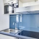 Optimisation de l'espace dans une petite cuisine parisienne (@cuisishop)