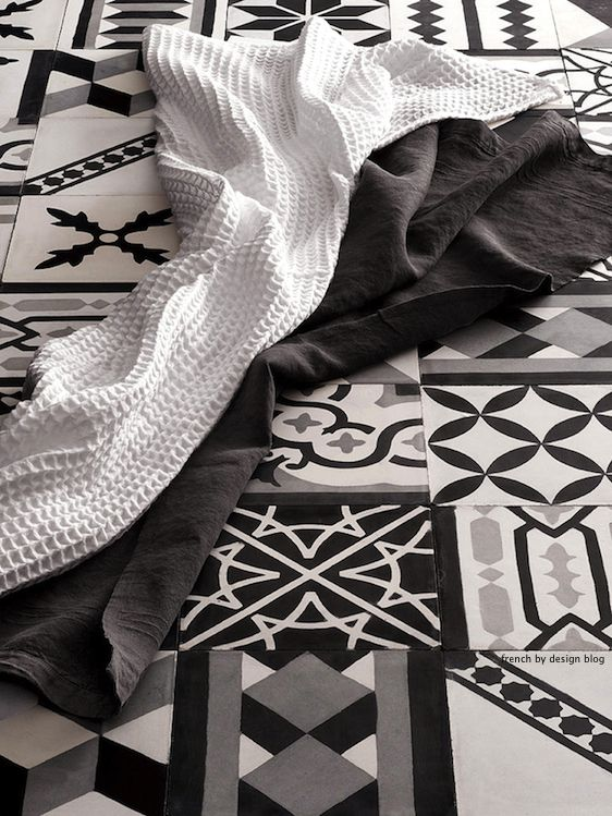 black_white_mixed_tiles (6)