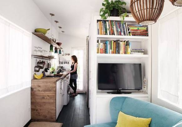 13-tiny-house-kitchens-that-feel-like-plenty-of-space-tiny-kitchen-56d85e044791784e5ecbd4ad-w620_h800