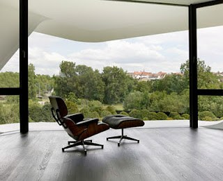 Charles Eames Chair From Mobilia And Kinetik