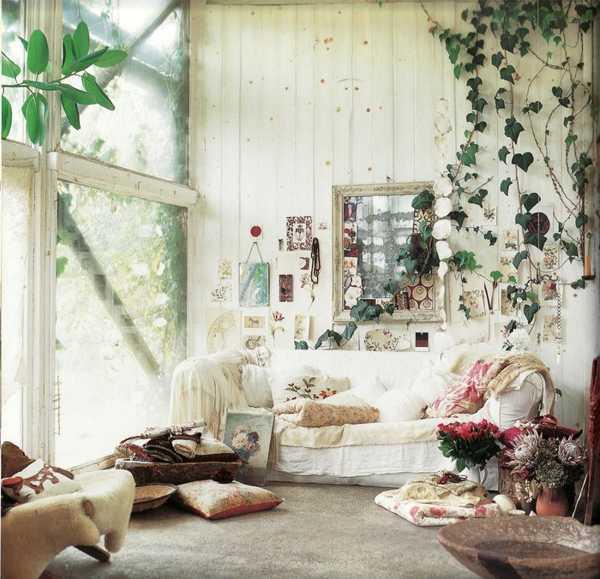 18 Boho Chic Living Room Decorating Ideas - Decoholic on Boho Room Decor  id=82769