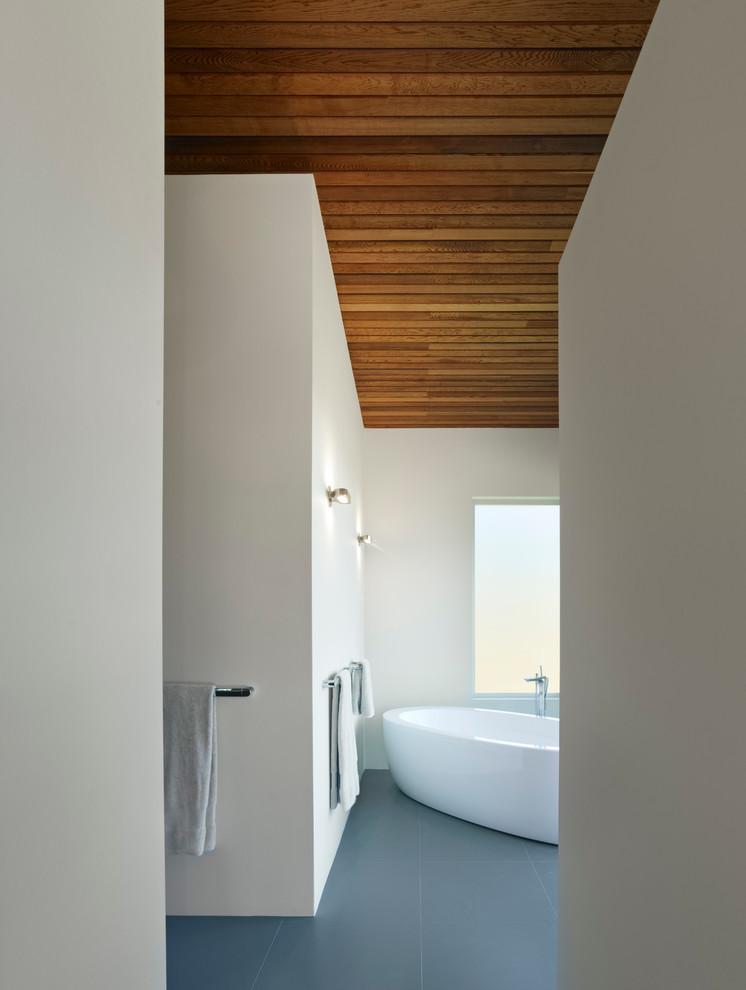 What Hang Walls Bathroom