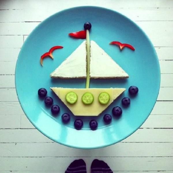paisaje de barco comida divertida