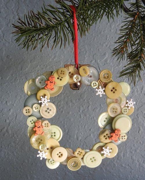 corona-de-navidad-original-con-botones-2