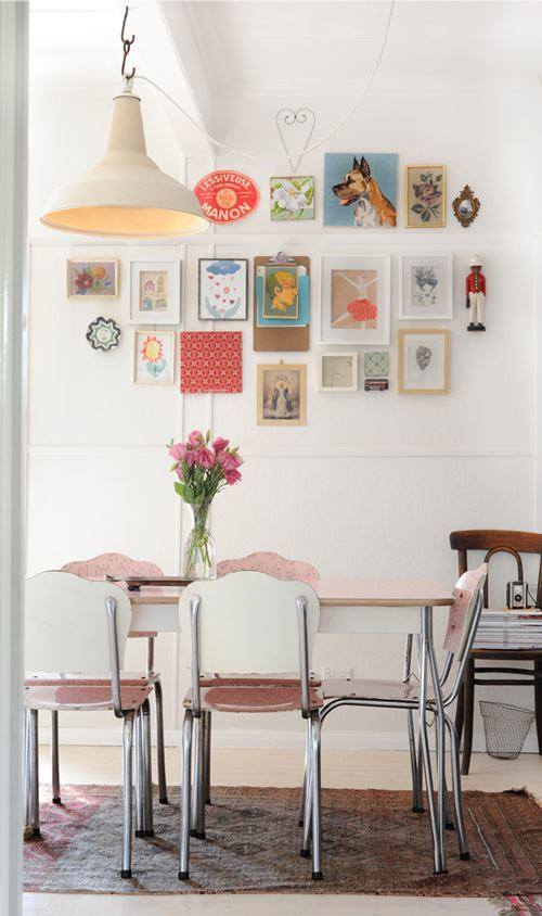 Colocar cuadros para decorar paredes de forma original 8