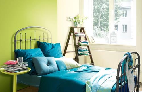 Reciclar para decorar viejas escaleras de madera for Reciclar una cama de madera