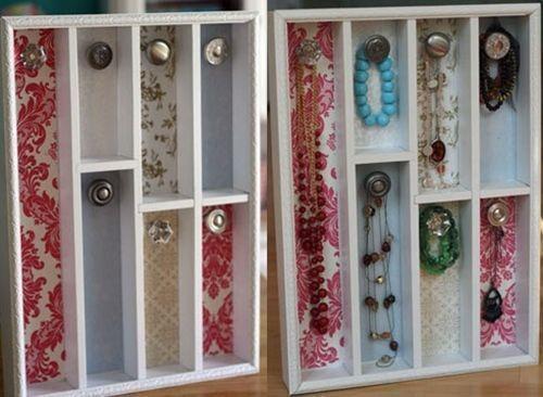 Ideas para hacer un colgador de collares de pared decorando 2