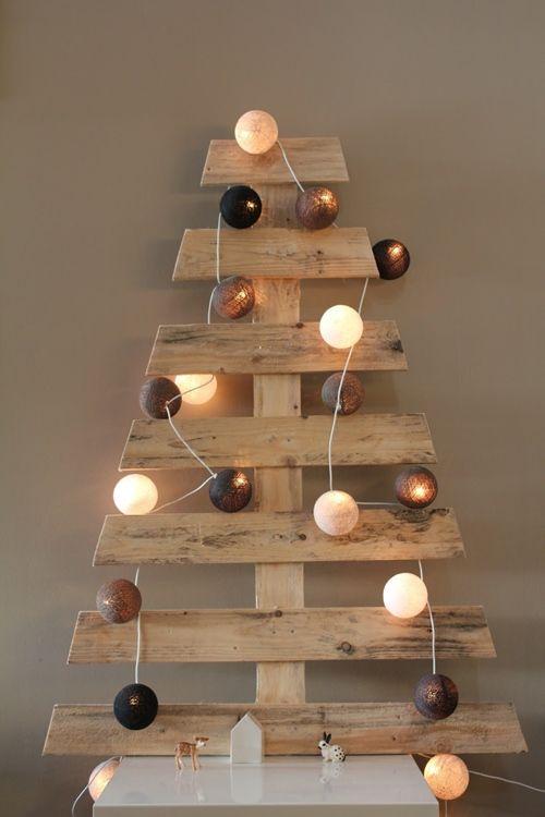 Manualidades para Navidad árboles de Navidad originales con palets 5