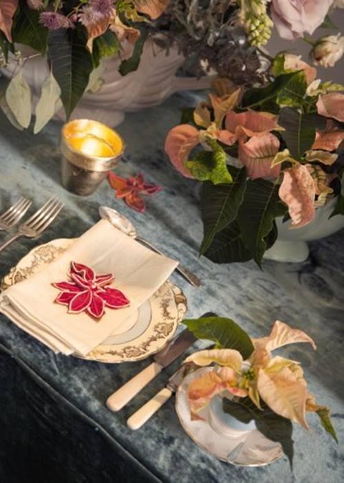 Decoracion navideña con flor de pascua de estilo vintage 2