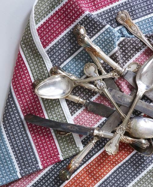 Ideas para reciclar cuberter as de plata y alpaca l mparas con cucharas colgadores decomanitas - Cuberterias de plata precios ...
