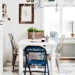 Últimas tendencias en decoración: comedores vintage con sillas mix&match
