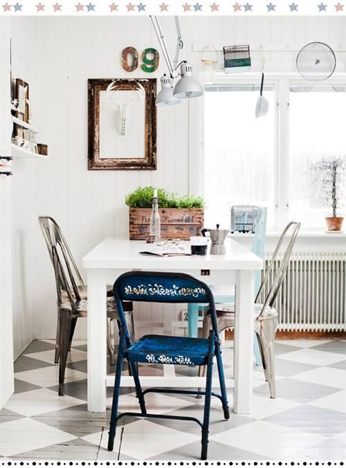 Últimas tendencias en decoración comedores vintage con sillas mix and match 7