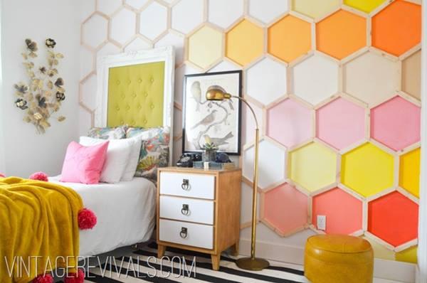 Decoración retro con estanterías de pared en forma de hexágono 6