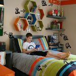 Decoración retro con estanterías de pared en forma de hexágono 8