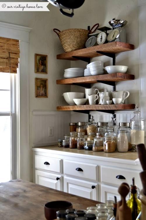 Estanterías de madera baratas con escuadras para cocinas con encanto 2
