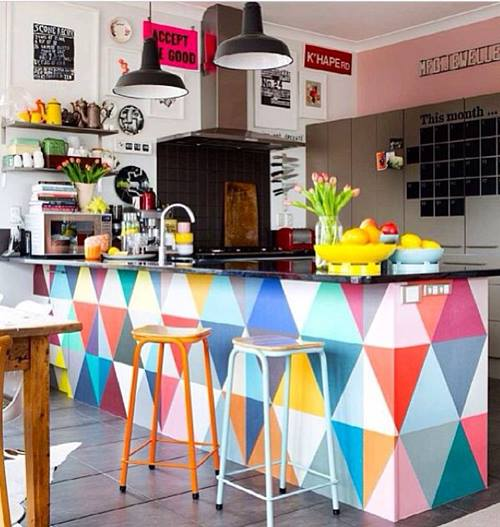 Decoración retro con triángulos Eames multicolor 2