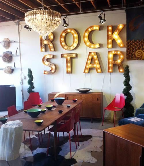 Decoraci n vintage con r tulos luminosos para la casa for Decoracion vintage casa
