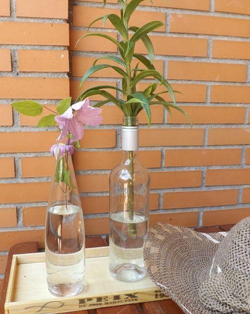 Jarrones con flores para decoraci n de interiores for Decoracion de jardin con jarrones