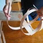 Cómo hacer una lámpara moderna con chapa de madera 7