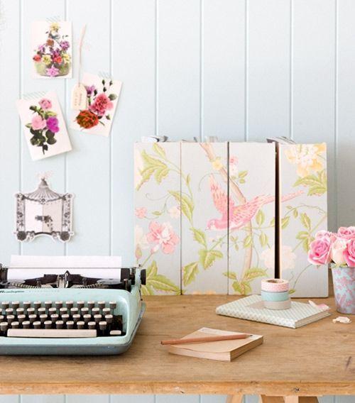 Ideas para decorar con papel pintado vintage decomanitas - Papel pintado vintage ...