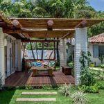 Casas con encanto rústico renovado junto al mar en Brasil 1