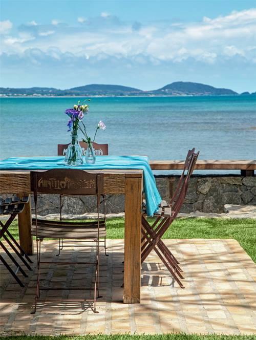 Casas con encanto rústico renovado junto al mar en Brasil 9