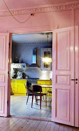 Casas con encanto un hogar donde el color todo lo puede  2